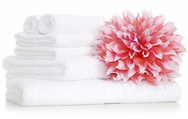 WhiteTowelsPinkFlower