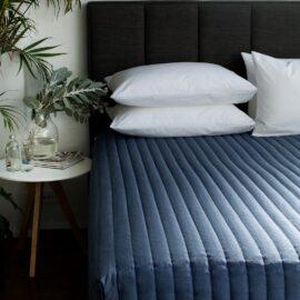 Bedcaps, Comforters, Top Sheets & Bedspreads